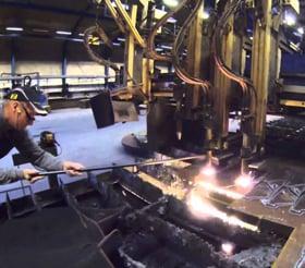 应用中的 motion plastics® 在极端恶劣环境中的金属切割
